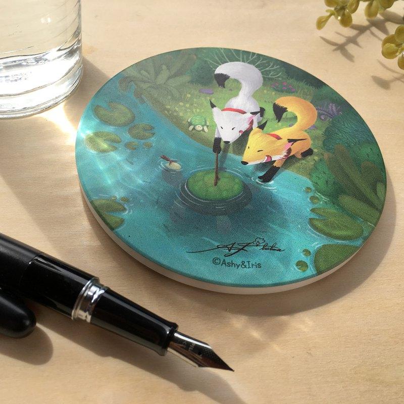 黃狐狸與白狐狸系列池塘逗烏龜陶瓷圓形杯墊