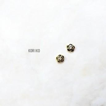 Flowerピアス/イヤリング*小ぶり*ブラック×ゴールド