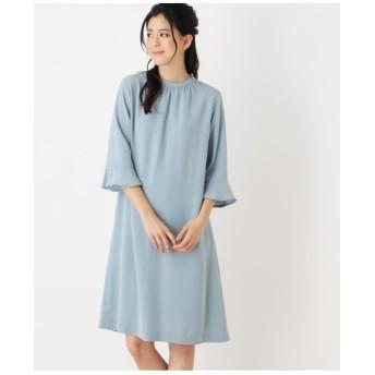 バックプリーツドレス