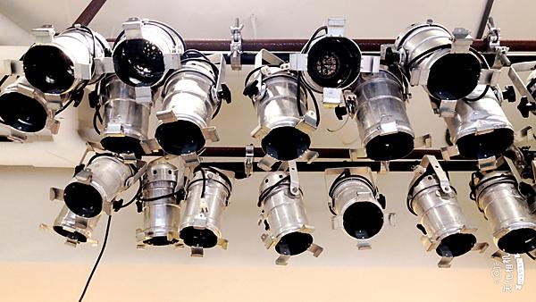 集樂城燈光音響-PAR-46 AC燈含燈泡28v/250w-每串4顆燈!!日租800/24h限自取