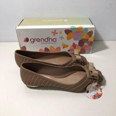 《現貨》Grendha 娃娃鞋 巴西尺寸38(金屬感蝴蝶結釦環 防水娃娃鞋-橄欖綠)