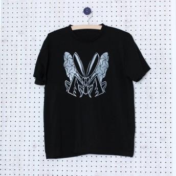 六つ手卍蟷螂 T-shirt