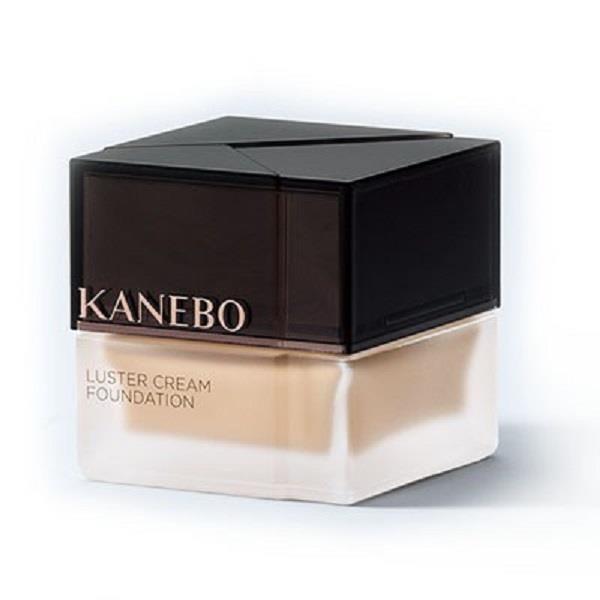 【KANEBO】纖透光采粉霜SPF15·PA+