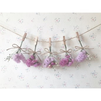 ピンクのバラとかすみ草と春色のスターチスのドライフラワーガーランド