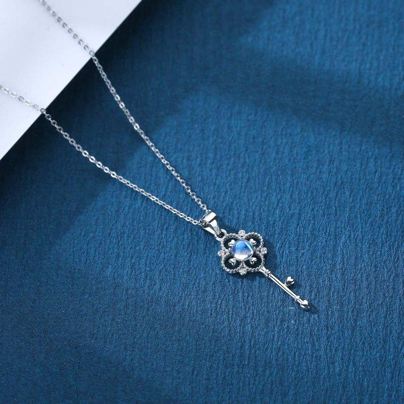 藍光玻璃體月亮石925純銀精鍍亮澤白金項鍊 | 藍光月光石水晶頸鏈