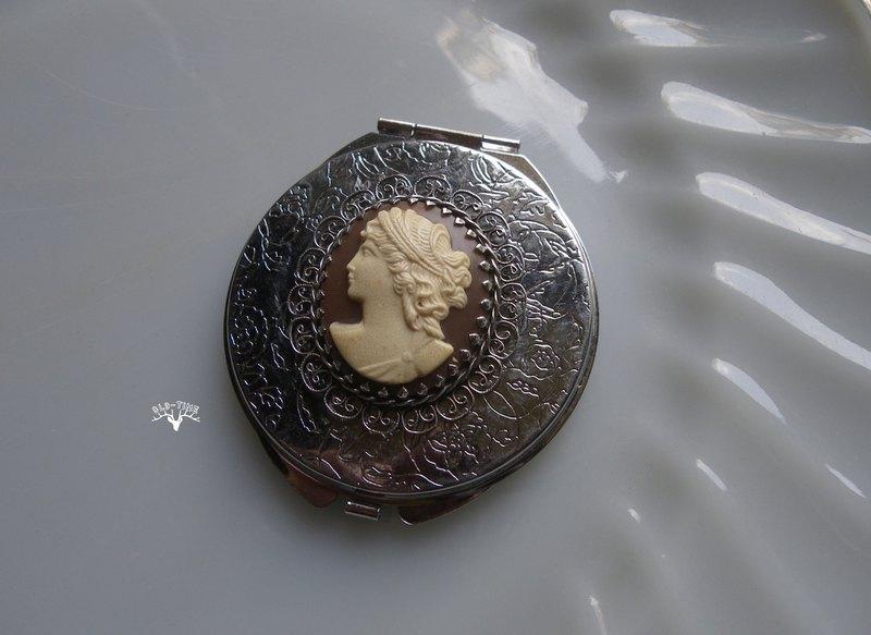 【老時光 OLD-TIME】早期歐洲隨身鏡盒