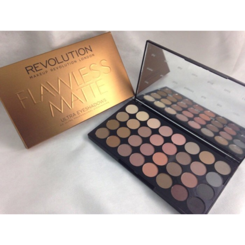 Makeup Revolution FLAWLESS MATTE 32 色全霧面大地色啞光眼影盤