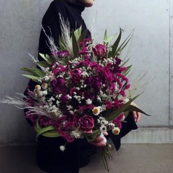 【人気】ピンク薔薇と小花を細かく束ねたブーケ ドライフラワー スワッグ プレゼント 花束