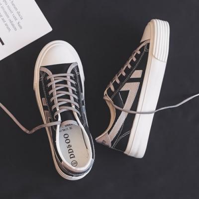 韓國KW美鞋館 波濤花香春季新款帆布鞋-黑