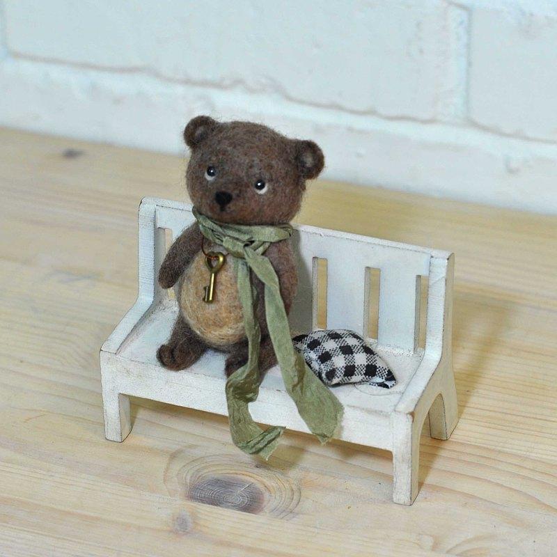 復古棕泰迪熊-羊毛氈擺飾