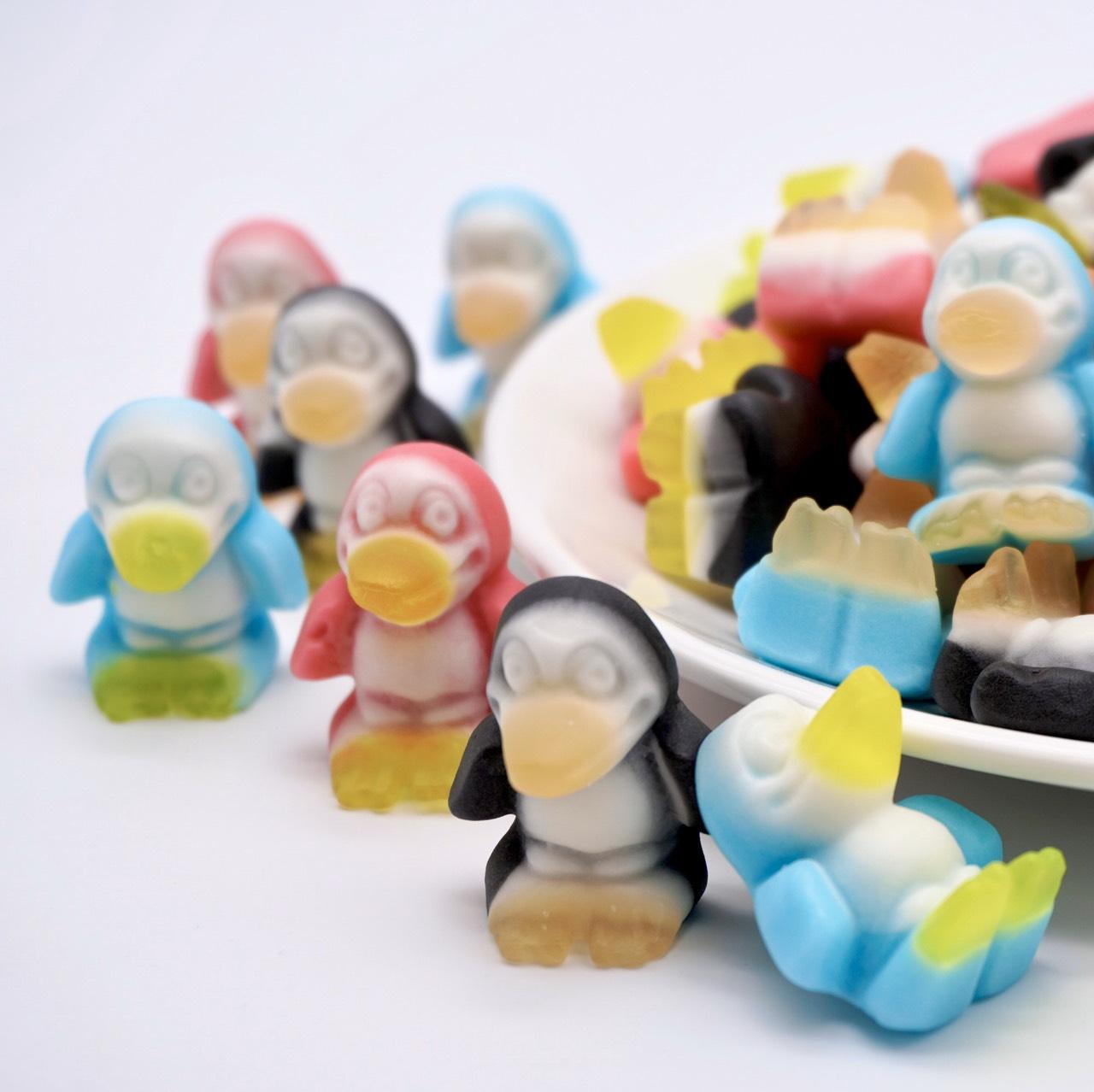 嘴甜甜 Trolli企鵝軟糖 200公克 造型系列 企鵝軍團 水果軟糖 造型QQ糖 德國軟糖 軟糖 QQ糖 小熊軟糖 現貨