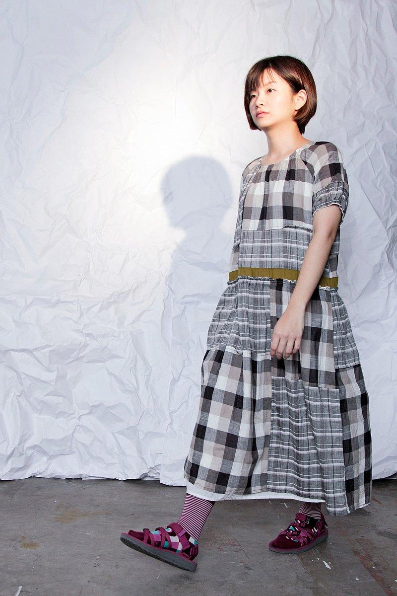 光_膠捲底片格紋拼接洋裝