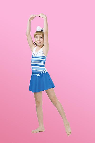 【M9550】梅林泳裝降價↘特賣~女童藍白橫條腰間裝飾蝶結連身裙泳衣 贈泳帽