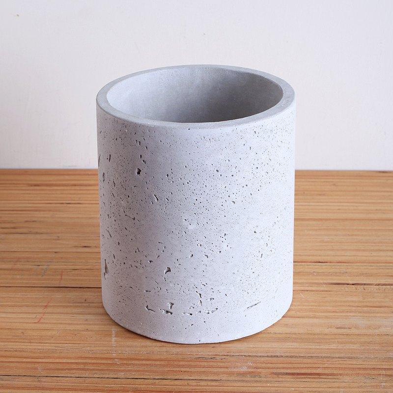 極簡圓水泥花器