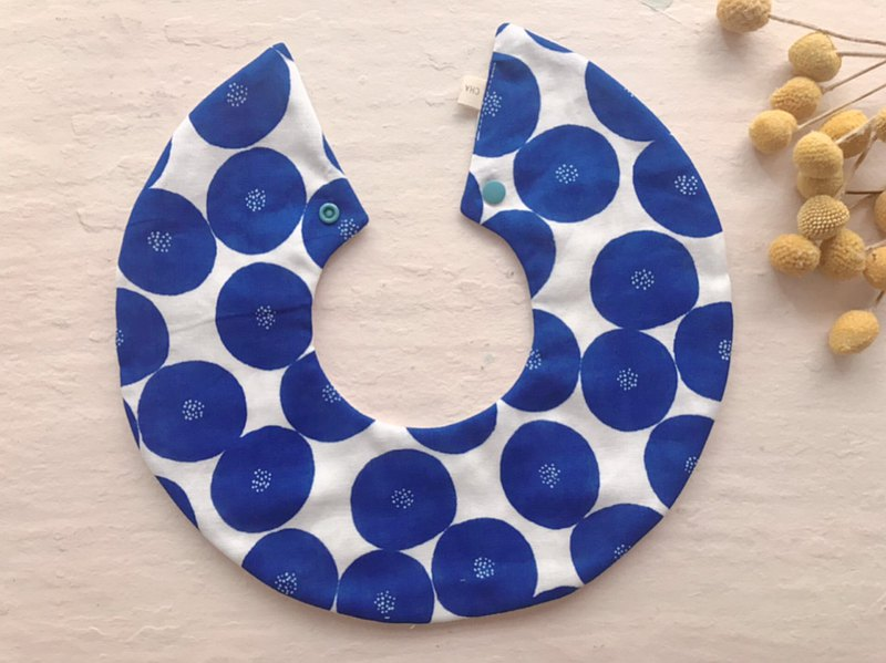 普普風的藍圓花     360度手工雙面六層紗圓圍兜口水巾