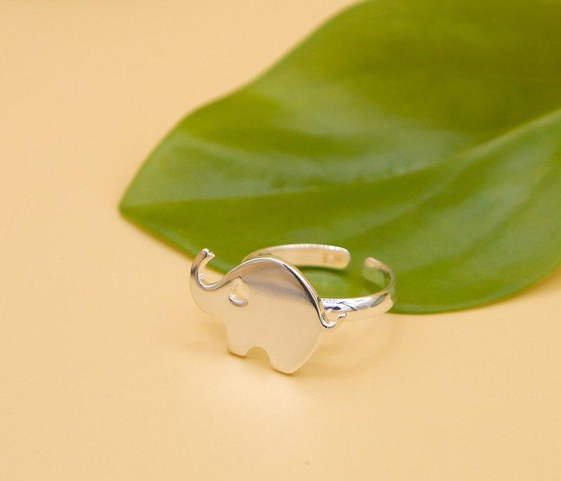手工製作的小象戒指-黃銅,動物飾品上的鍍銀