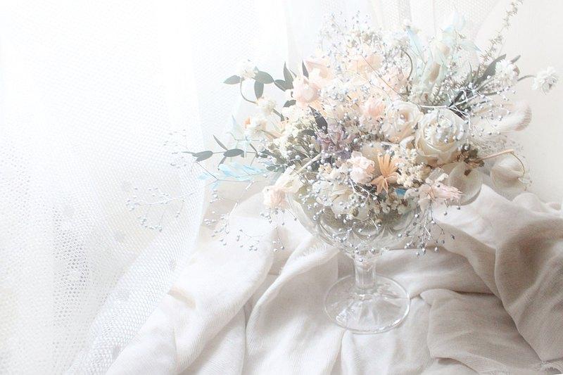 森林花草玻璃圓形桌花・白永生玫瑰與花禮-限量
