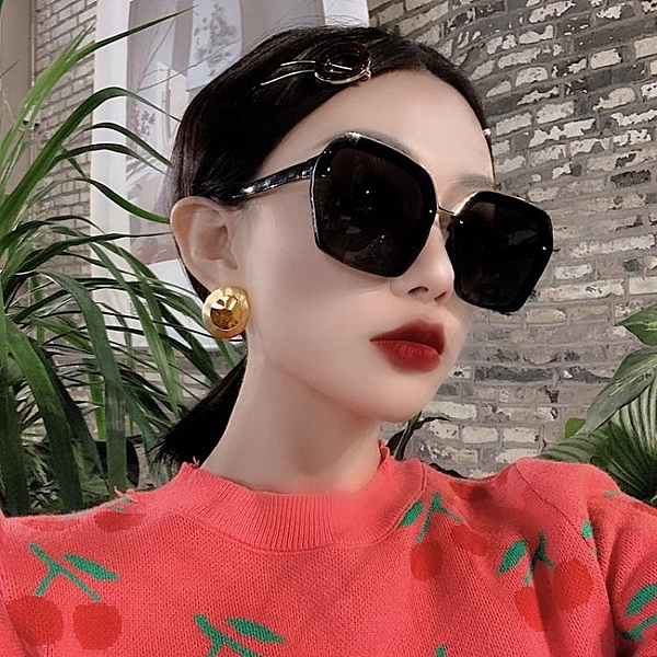 新款大方框偏光墨鏡女時髦方形圓臉長臉太陽鏡韓版潮網紅眼鏡黑色 夏季新品