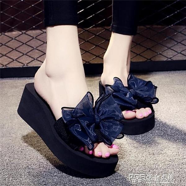 夏季網紅涼拖鞋女外穿高跟一字拖蝴蝶結防滑厚底海邊度假沙灘鞋 探索先鋒