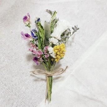 細かなお花のドライフラワースワッグ