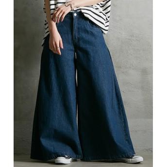 サイドにタック入 超ワイドなデニムバギーパンツ (レディースパンツ)Pants