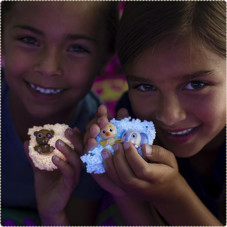 【品牌指定商品任選2件$315】美國 Educational Insights 魔塑粒粒黏土夜光版-怪獸軍團(隨機/每顆含一隻娃娃)