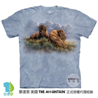 摩達客-美國進口The Mountain 享樂時光雙牛 純棉環保藝術中性短袖T恤