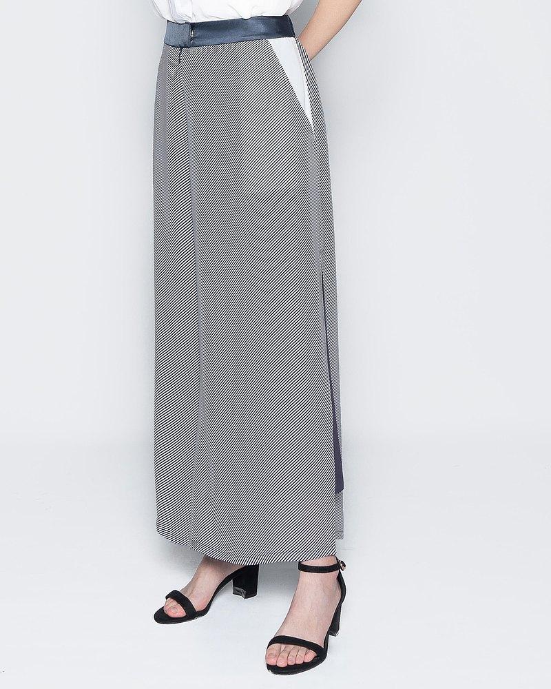 側邊個性開衩三層雪紡褲  -斜條紋黛紫雪紡