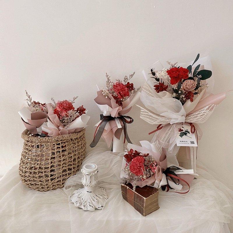 乾燥花索拉康乃馨小花束 乾燥花 康乃馨 母親節花束 floraflower