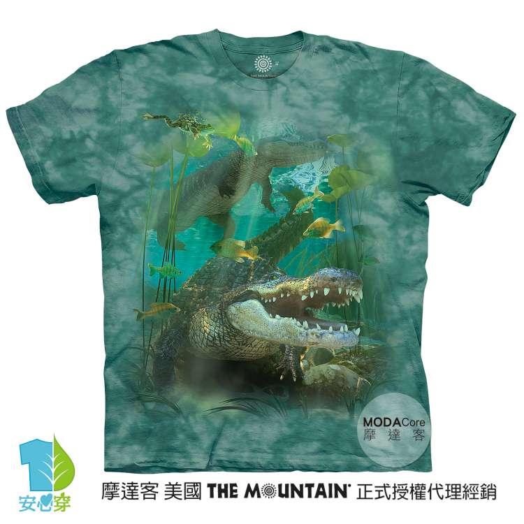 摩達客-預購-美國進口The Mountain 鱷魚游水 純棉環保藝術中性短袖T恤