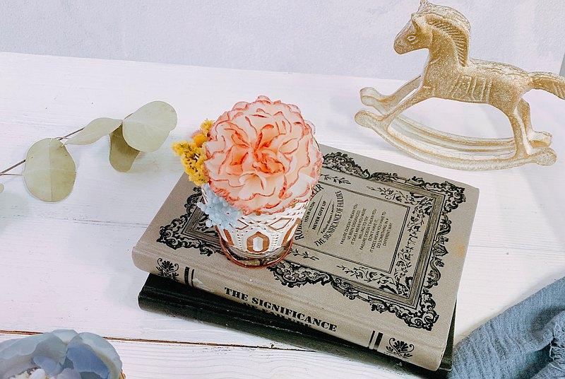 寵愛媽媽母親節送禮-客製康乃馨蜜蠟花+純天然大豆香氛蠟燭