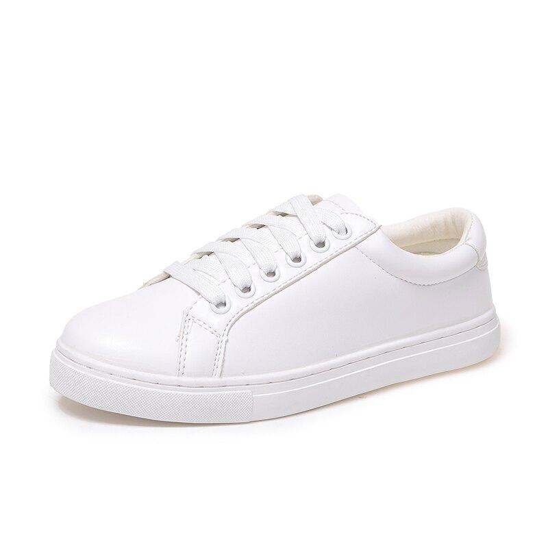 小白鞋 小白鞋女春季新款女鞋百搭學生平底皮面洋氣休閒板鞋『SS2072』