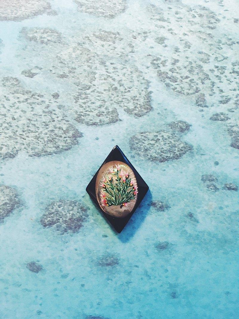 手繪胸針 - 珊瑚