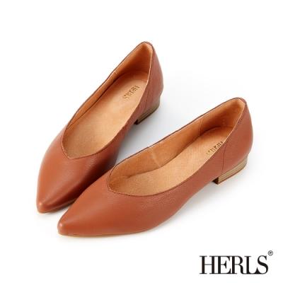 HERLS低跟鞋-全真皮百搭素面V口尖頭低跟鞋-棕色
