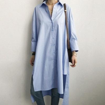 MOCO素色前短後長不對稱下擺排釦長版襯衫洋裝M~2XL