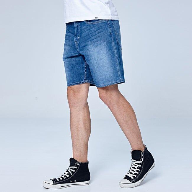 【全館免運 | 滿額↘再折$150】❆涼感褲❆ Lee 903 牛仔短褲 RG Jade Fusion 男款 中淺藍