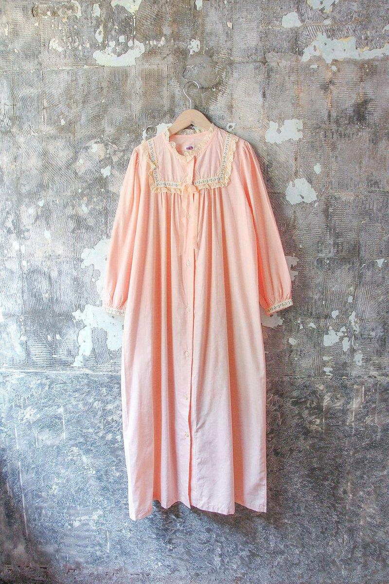 裊裊百貨公司-Vintage 粉色精緻荷葉邊蕾絲睡衣 洋裝 復古著