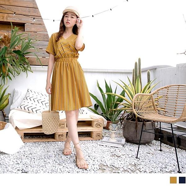 《DA7412-》V領多彩直條紋腰鬆緊洋裝 OB嚴選