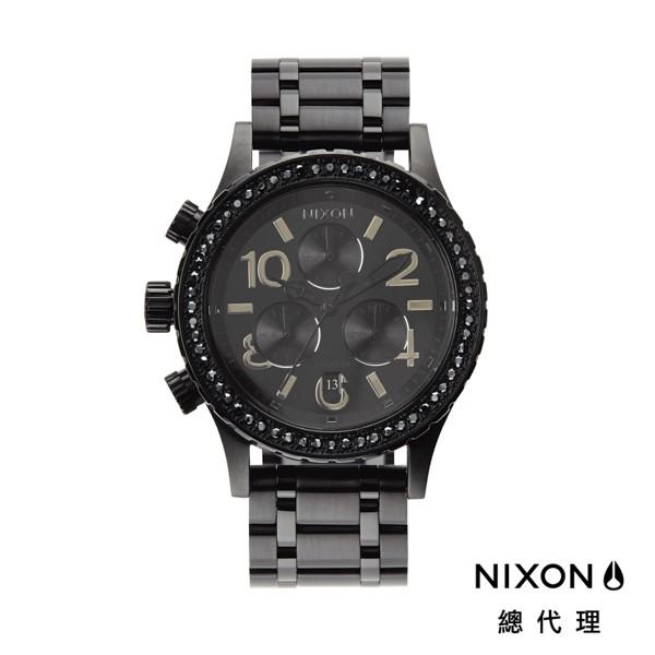 NIXON 38-20 高傲霸氣 黑 顯白 潮人裝備 潮人態度 禮物首選