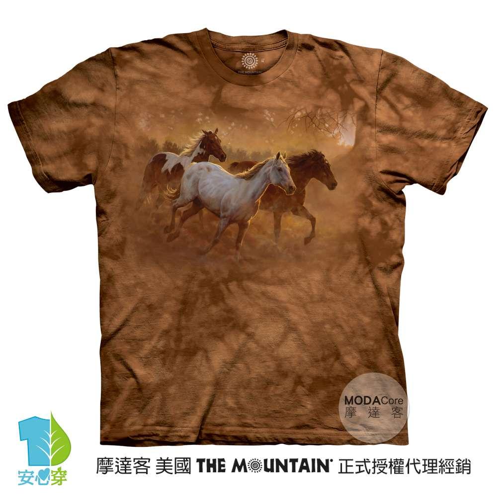 摩達客-預購-美國進口The Mountain 黃昏奔馬 純棉環保藝術中性短袖T恤