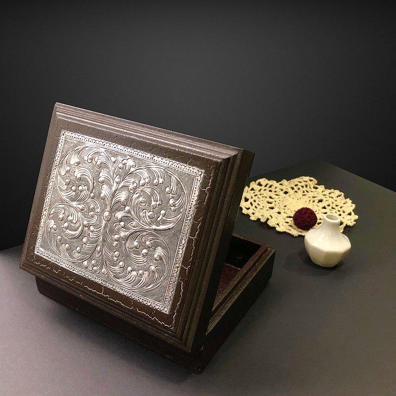 1940年代英國手工鑲銀古董盒