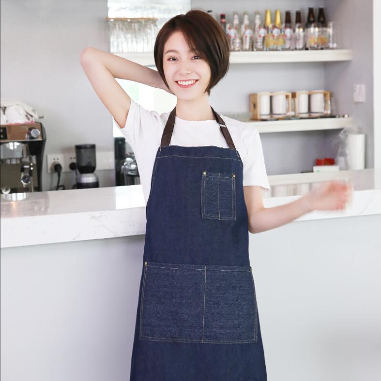 牛仔風圍裙 廚房 圍裙 工作服 咖啡廳 飲料店 餐飲店 餐廳專用 工作裙【RS1090】