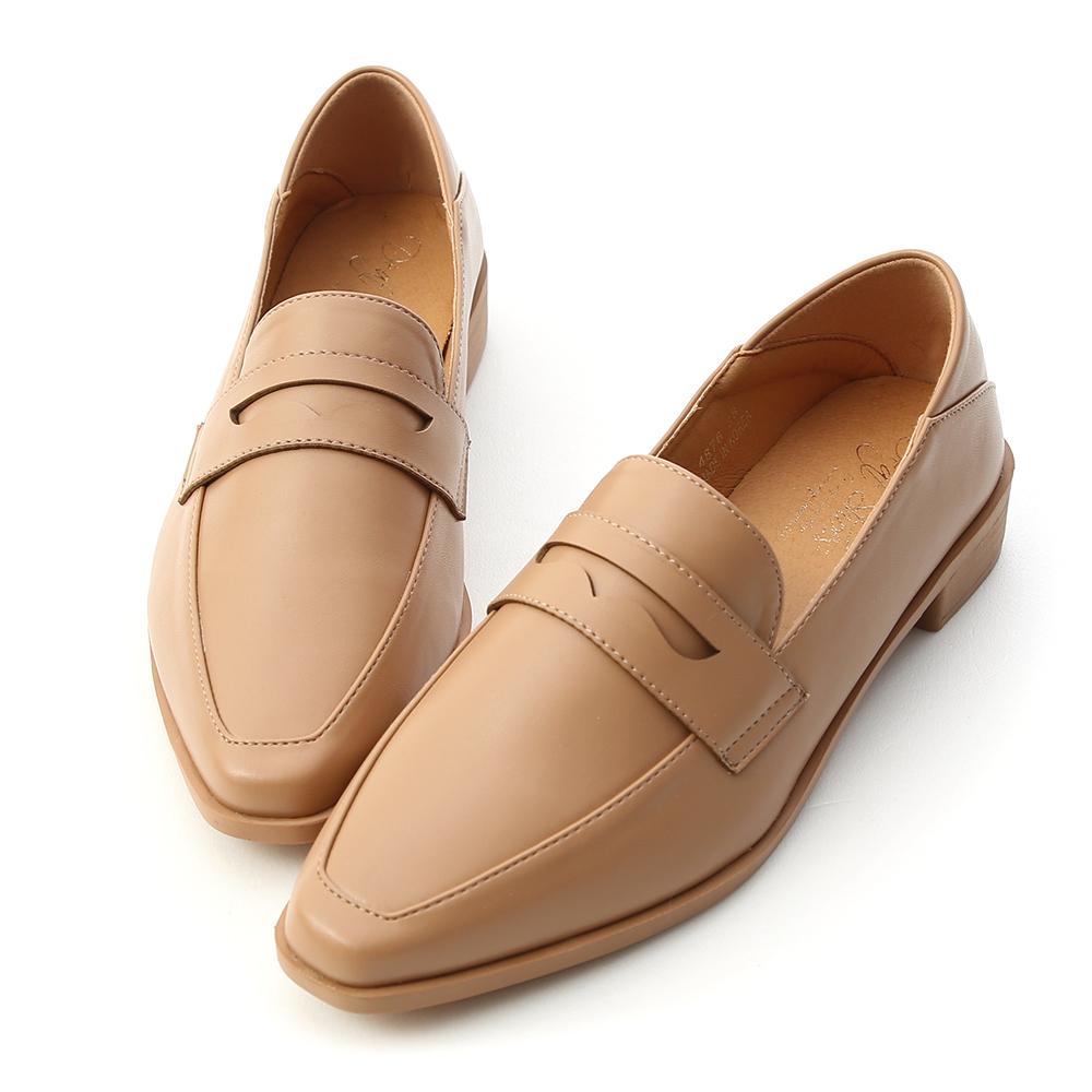 D+AF 紳士格調 經典款微尖頭樂福鞋  杏