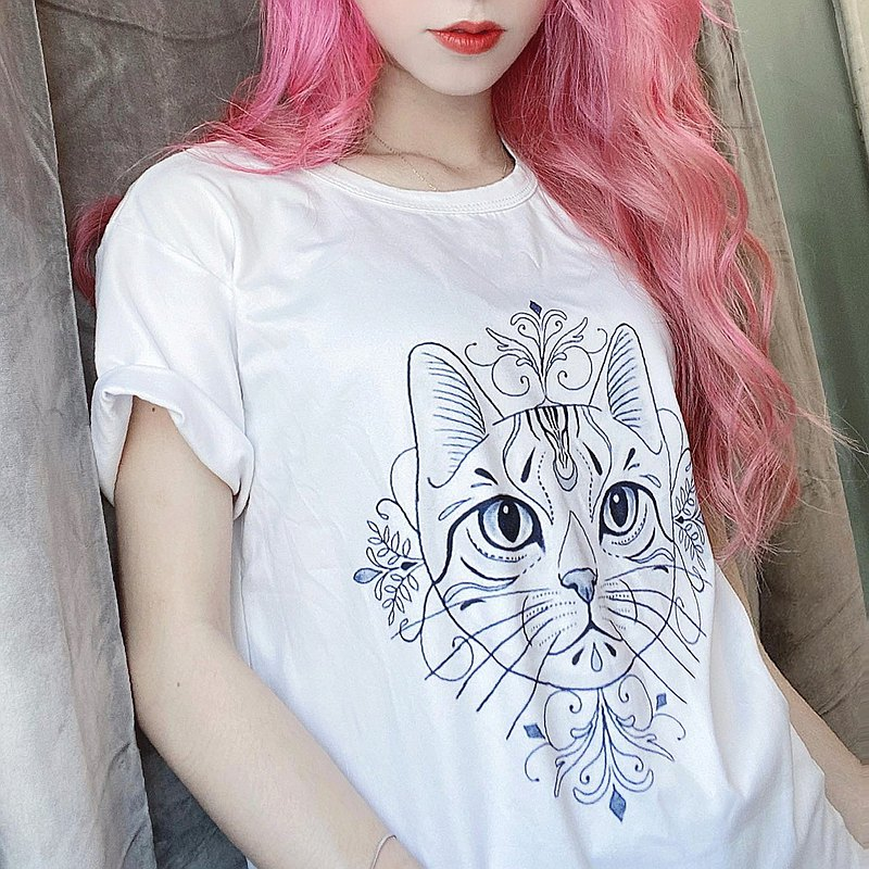 原創 貓圖騰圓領短袖T恤上衣- 寬鬆版