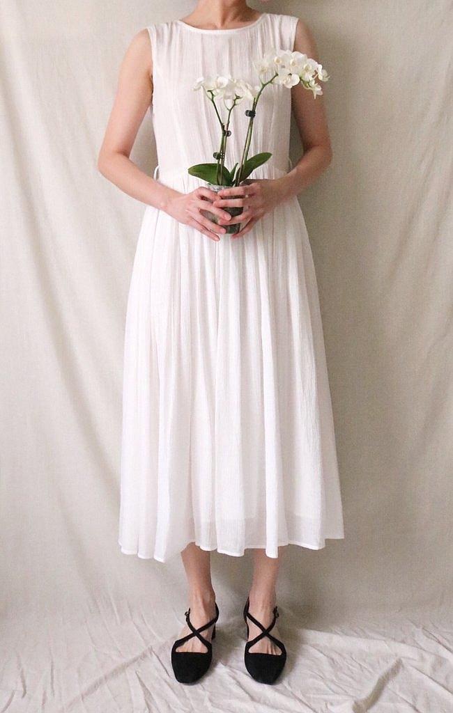 RANIA DRESS 砂洗絲質純白背簍空背心裙