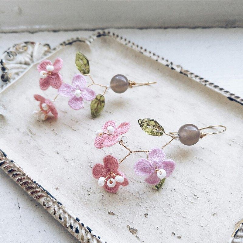momolico 桃子莉可 刺繡線編織花 耳環  可改夾式 灰瑪瑙