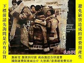 二手書博民逛書店大12開罕見《藏地不滅的記憶--李小可版畫作品集》13163 李