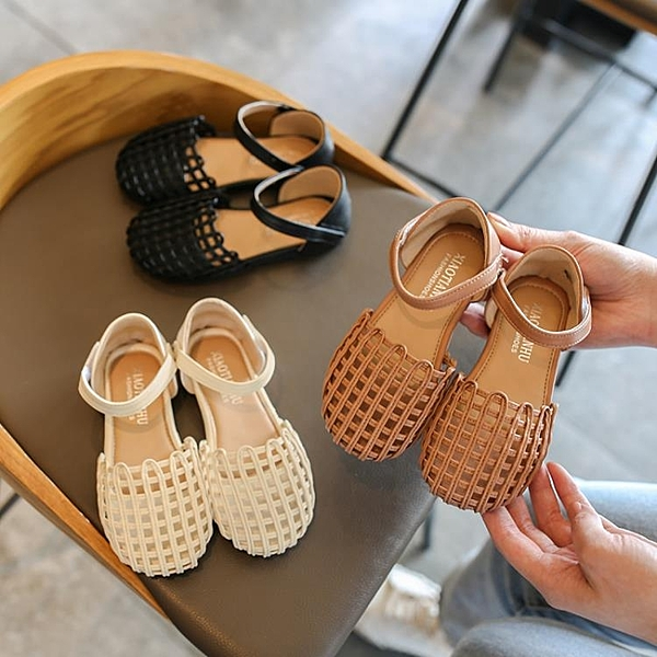 女童涼鞋 2020年女童涼鞋兒童新款時尚軟底童鞋小童夏天小孩鏤空公主鞋【快速出貨】