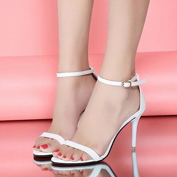 細跟高跟鞋 大尺碼中跟新款銀色露趾一字帶扣細跟涼鞋女細帶高跟鞋百搭 限時優惠快速出貨