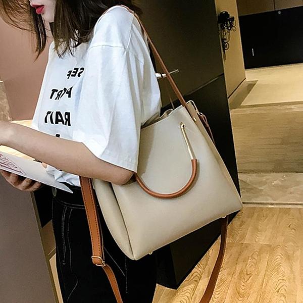 春季上新小包包女2020新款潮韓版百搭手提單肩時尚斜挎水桶包女包 西城故事